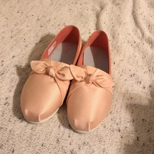 Light Pink Toms With Bow